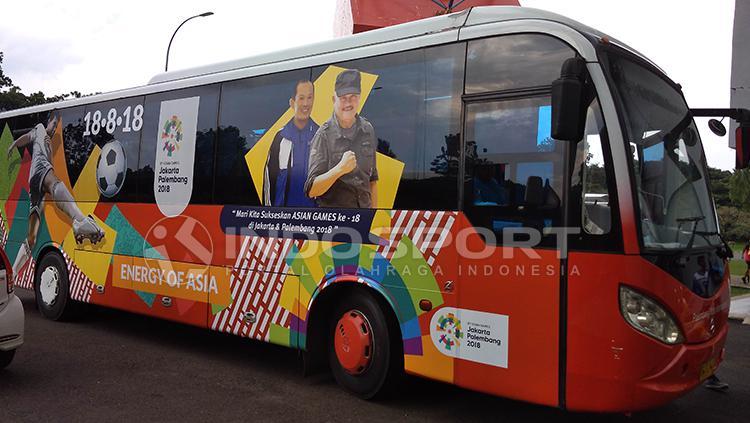 Bus Khusus untuk Media Peliput Asian Games di Palembang. Copyright: Muhammad Effendi/INDOSPORT