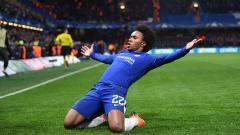 Indosport - Gelandang serang Chelsea, Willian masih terus diburu oleh Barcelona.