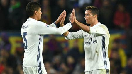 Raphael Varane dan Cristiano Ronaldo di Real Madrid - INDOSPORT