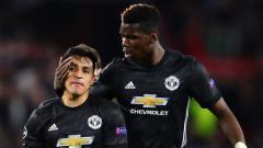 Indosport - Alexis Sanchez dan Paul Pogba.