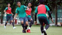 Indosport - Dandi Maulana saat latihan bersama Timnas U-23
