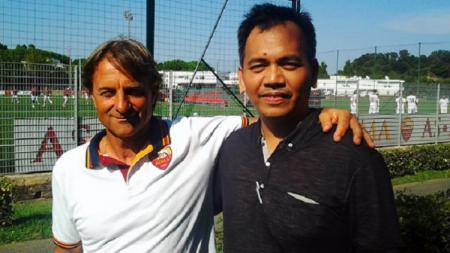 Roberto Mancini dan Sihar Sitorus. - INDOSPORT