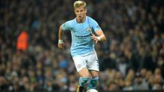 Indosport - Bintang muda Manchester City, Oleksandr Zinchenko, resmi menandatangani kontrak baru selama tiga tahun.