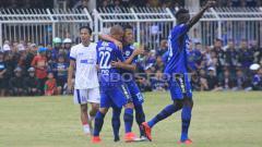 Indosport - Uji coba Persib Bandung vs Priangan Selection.