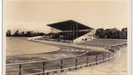 Stadion Siliwangi, Bandung tahun 1956. - INDOSPORT