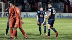 Indosport - Arema FC vs Borneo FC