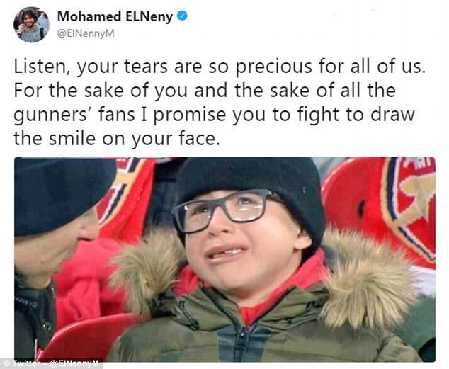 Fans cilik Arsenal menangis saat The Gunners kalah dari Man City. Copyright: instagram