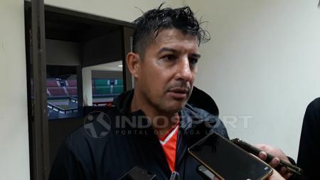 Pelatih Persebaya Surabaya, Alfredo Vera. - INDOSPORT