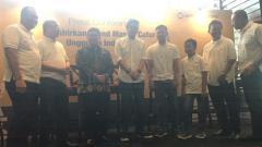 Indosport - United Tractors dukung dua atlet muda catur untuk meraih Grand Master Catur.