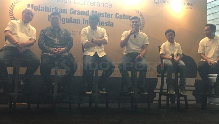United Tractors dukung dua atlet muda catur untuk meraih Grand Master Catur. Copyright: Alfia Nurul Fadilla/INDOSPORT