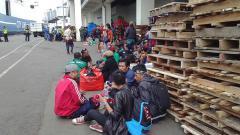 Indosport - Pastikan Semifinal, Bonek Siap Dukung Langsung Ke Balikpapan.