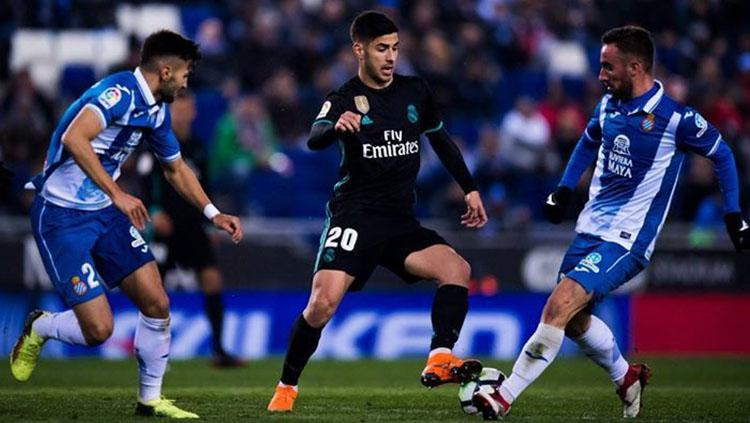 Situasi laga Espanyol vs Real Madrid. Copyright: Twitter @EIONCEHN.