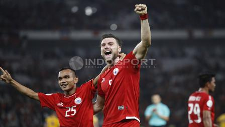 Marko Simic merayakan gol bersama Riko Simanjuntak. Herry Ibrahim