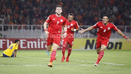 Marko Simic akan merayakan gol bersama rekan satu timnya. Herry Ibrahim