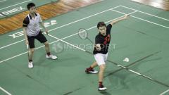 Indosport - Ganda putra Indonesia, Kevin Sanjaya/Marcus Fernaldi latihan rutin jelang All England 2018 di Pelatnas PBSI Cipayung.