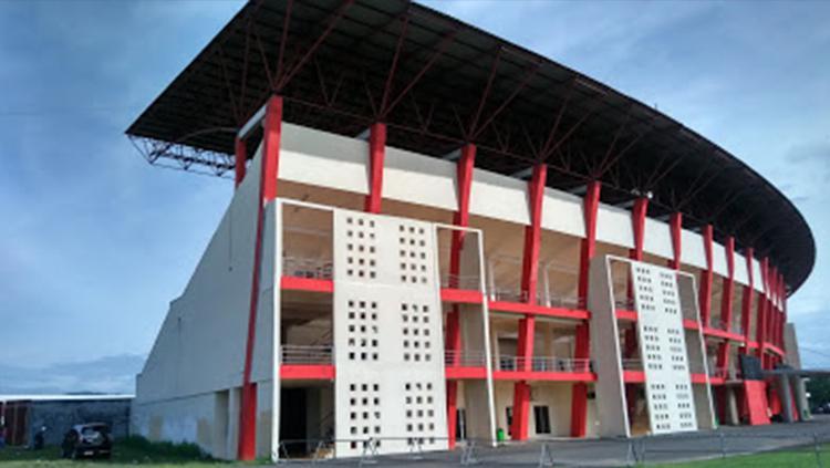 Salah satu tribun di Stadion Sultan Agung, Blitar. Copyright: ariajelo.blogspot.co.id