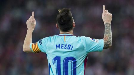 Selebrasi Lionel Messi usai mencetak gol ke gawang Las Palmas. - INDOSPORT