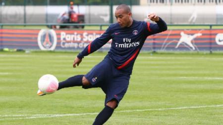 Striker Tira-Persikabo, Loris Arnaud, menyatakan bahwa bertahan di Liga Vietnam cenderung jauh lebih sulit ketimbang di Liga Indonesia. - INDOSPORT