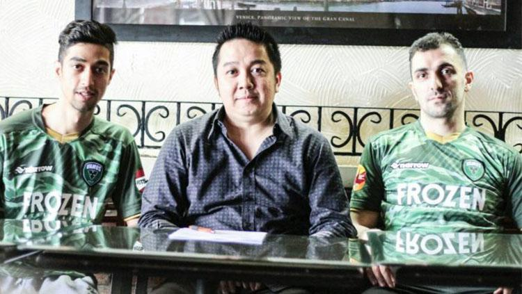 Ali Abedin (Flank) dan Farhad Fakhimzadeh (Pivot) Copyright: Ofisial Vamos Mataram