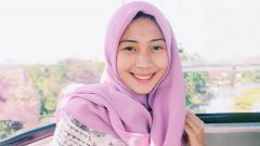 Indosport - Alvira, WAGs cantik kekasih bek Persebaya Rachmat Irianto