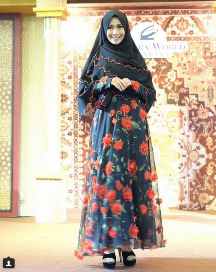 Alvira, WAGs cantik kekasih bek Persebaya Rachmat Irianto Copyright: Instagram/Alviraaa