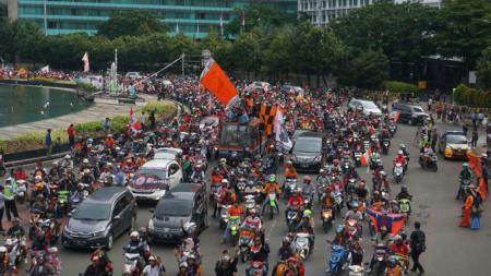 Konvoi Jakmania di Jakarta saat Persija Jakarta menjadi juara Piala Presiden 2018. - INDOSPORT