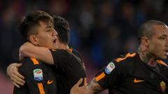 Indosport - Cengiz Under usai mencetak gol penyama kedudukan melawan Napoli.