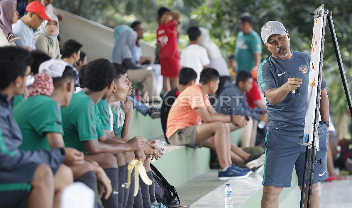Timnas U-16 vs Academy Babek Copyright: Herry Ibrahim/INDOSPORT