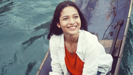 Baru-baru ini, aktris cantik kenamaan Indonesia, Putri Marino, memamerkan kegiatannya ketika sedang melakukan olahraga zumba. - INDOSPORT