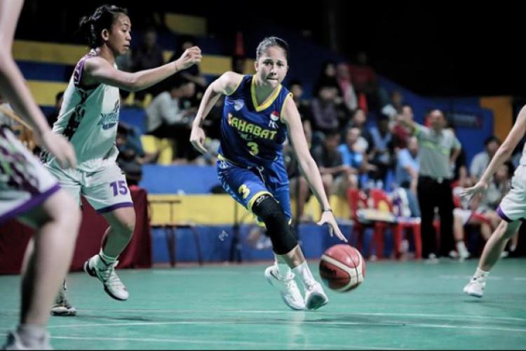 Sitha Dewi Marino, Pebasket Profesional Adik Presenter Putri Marino Copyright: Instagram/SithaMarino