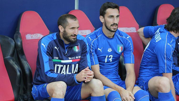 Davide Astori di Timnas Italia, bersama Leonardo Bonucci (kiri). Copyright: INDOSPORT