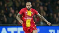 Indosport - Ternyata nilai transfer legiun Belanda keturunan Indonesia Joey Suk mendekati total belanja pemain 3 klub Liga 1 2020.