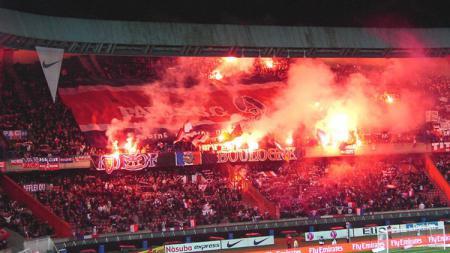 Suasana Parc des Princes sesaat sebelum laga antara PSG vs Madrid dimulai. - INDOSPORT