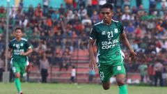 Indosport - Sayap kiri PSMS Medan, Frets Listanto Butuan.