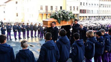 Prosesi pemakaman Davide Astori. - INDOSPORT