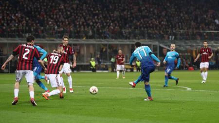 Mkhitaryan cetak gol pertama untuk Arsenal. - INDOSPORT