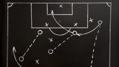 Indosport - Posisi-posisi unik di sepakbola modern