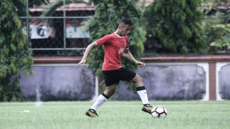 Bek Dallen Doke saat masih berseragam Bali United. - INDOSPORT