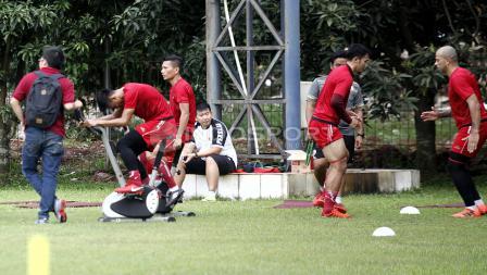 Beberapa pemain yang mengalami cedera juga berlatih secara terpisah. Herry Ibrahim