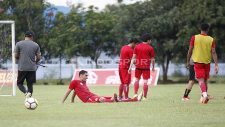 Jaimerson da Silva tengah duduk di tengah sesi latihan.