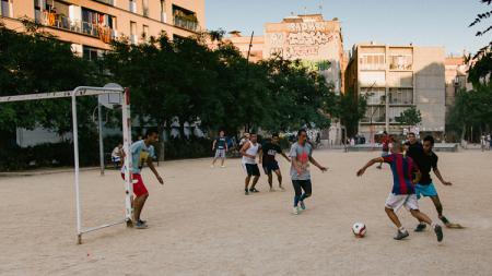 Pada umumnya sejumlah pemain sepak bola lahir dari sebuah akademi klub, namun ada pula yang mengawalinya dari bermain di jalanan. - INDOSPORT