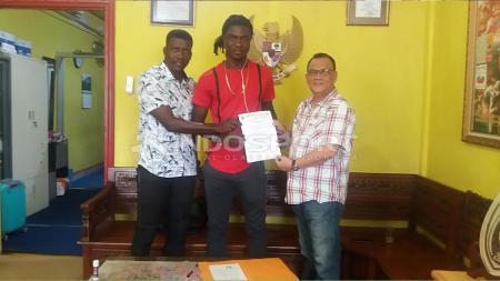 Bio Paulin resmi bergabung ke Sriwijaya FC - INDOSPORT