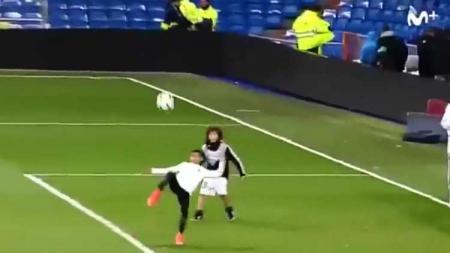 gol salto Ronaldo Jr. - INDOSPORT