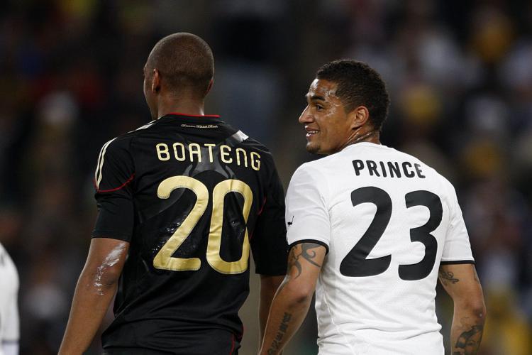 Kevin Prince Boateng (kanan) dan Jerome Boateng dalam sebuah pertandingan antara Jerman dan Ghana. Copyright: Stars and Stripes FC