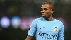 Indosport - Klub-klub Liga Inggris merilis daftar pemain yang dilepas sebagai pemain free transfer. Sejumlah bintang tercantum termasuk kapten Manchester City Fernandinho.
