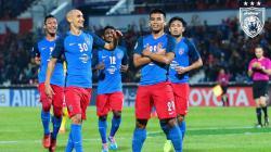 Safawi Rasid (kanan) melakukan selebrasi mirip Kylian Mbappe, pasca mencetak gol ke gawang Tampine Rovers.