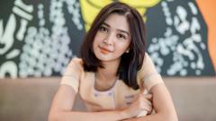 Indosport - Memiliki body goals alias tubuh indah tidak semudah membalikkan telapak tangan. Hal itulah yang dirasakan oleh aktris cantik, Mikha Tambayong.