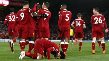 Skuat Liverpool merayakan gol Mohamed Salah ke gawang Watford. - INDOSPORT
