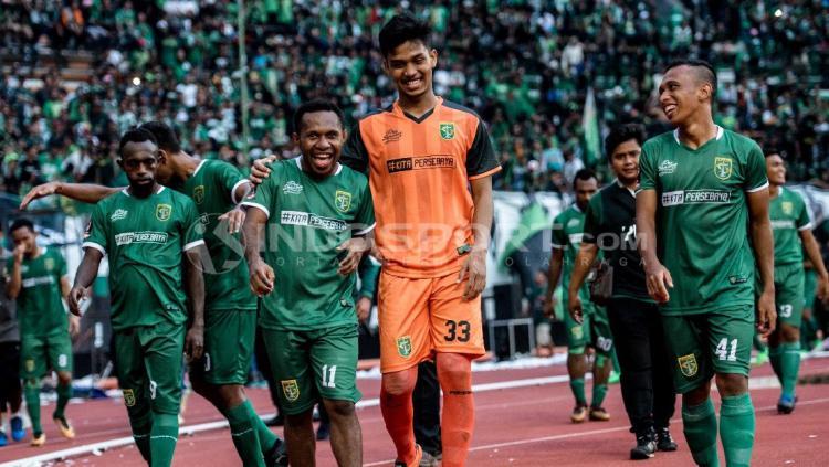 Persebaya Surabaya vs Serawak FA Copyright: Fitra Herdian/INDOSPORT.COM