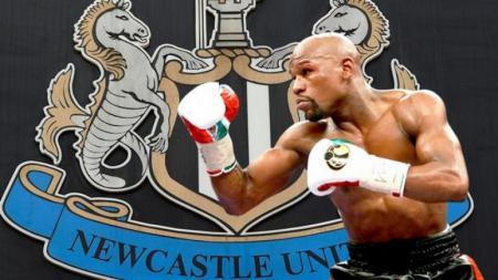 Floyd Mayweather Jr. dikabarkan ingin membeli Newcastle United. - INDOSPORT